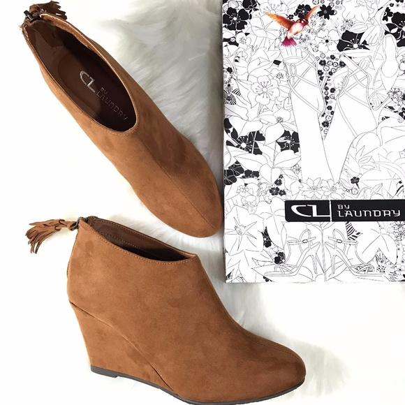 efcf8653d128 CHINESE LAUNDRY CL VIA COGNAC ZIP UP WEDGE BOOTS